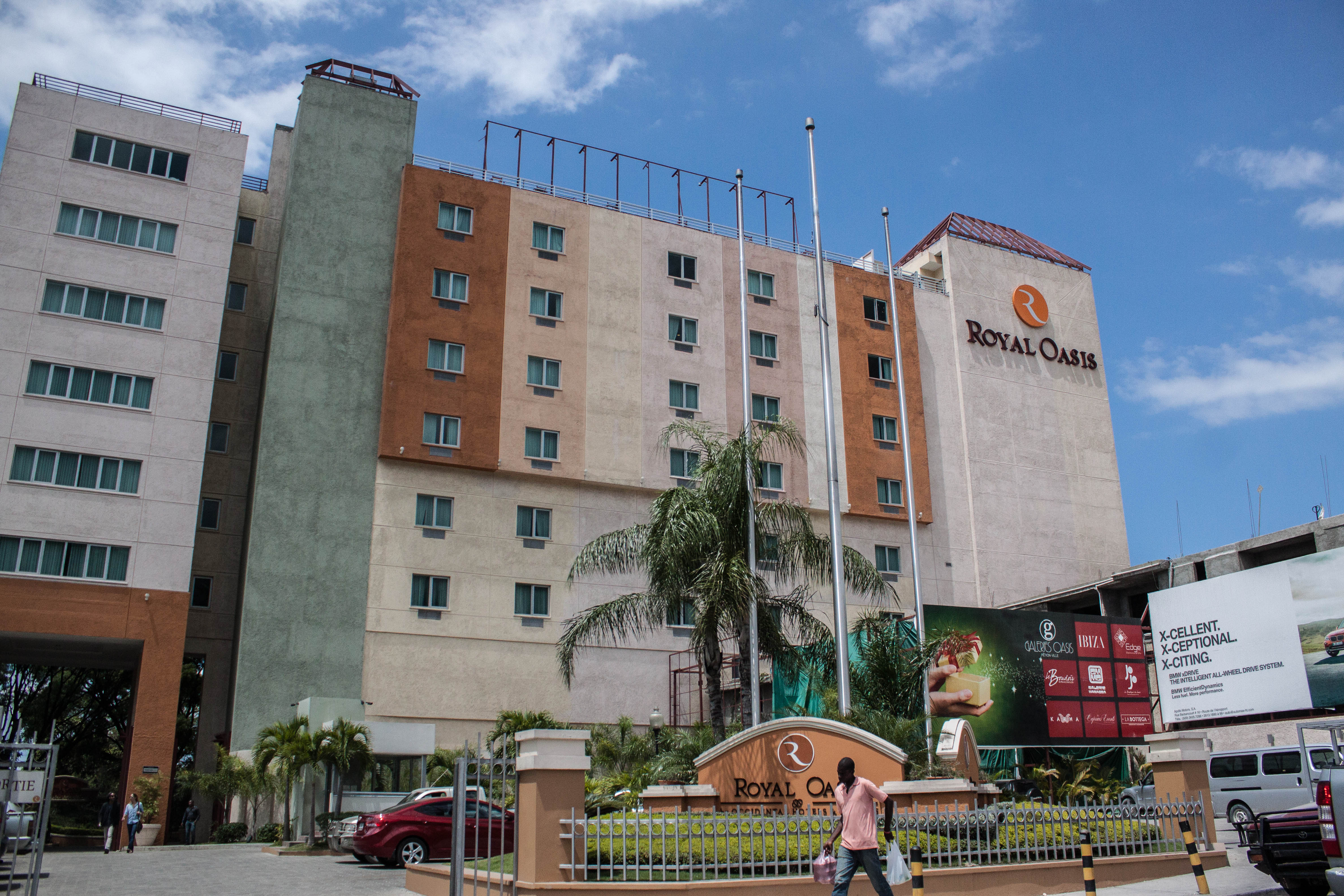 Hotel Royal Oasis by Occidental en Petion Ville, la zona alta de Port-au-Prince. @ifresnillo (cc) https://www.flickr.com/photos/frostis/14045994927/in/set-72157645378391726